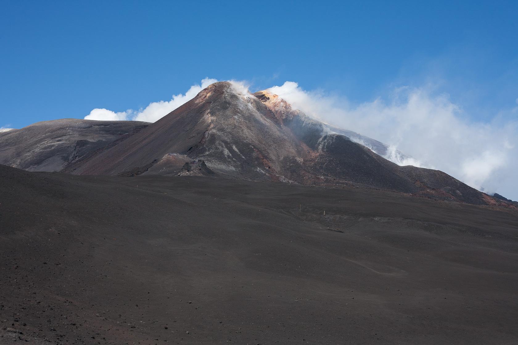 sommet principal du volcan Etna en Sicile