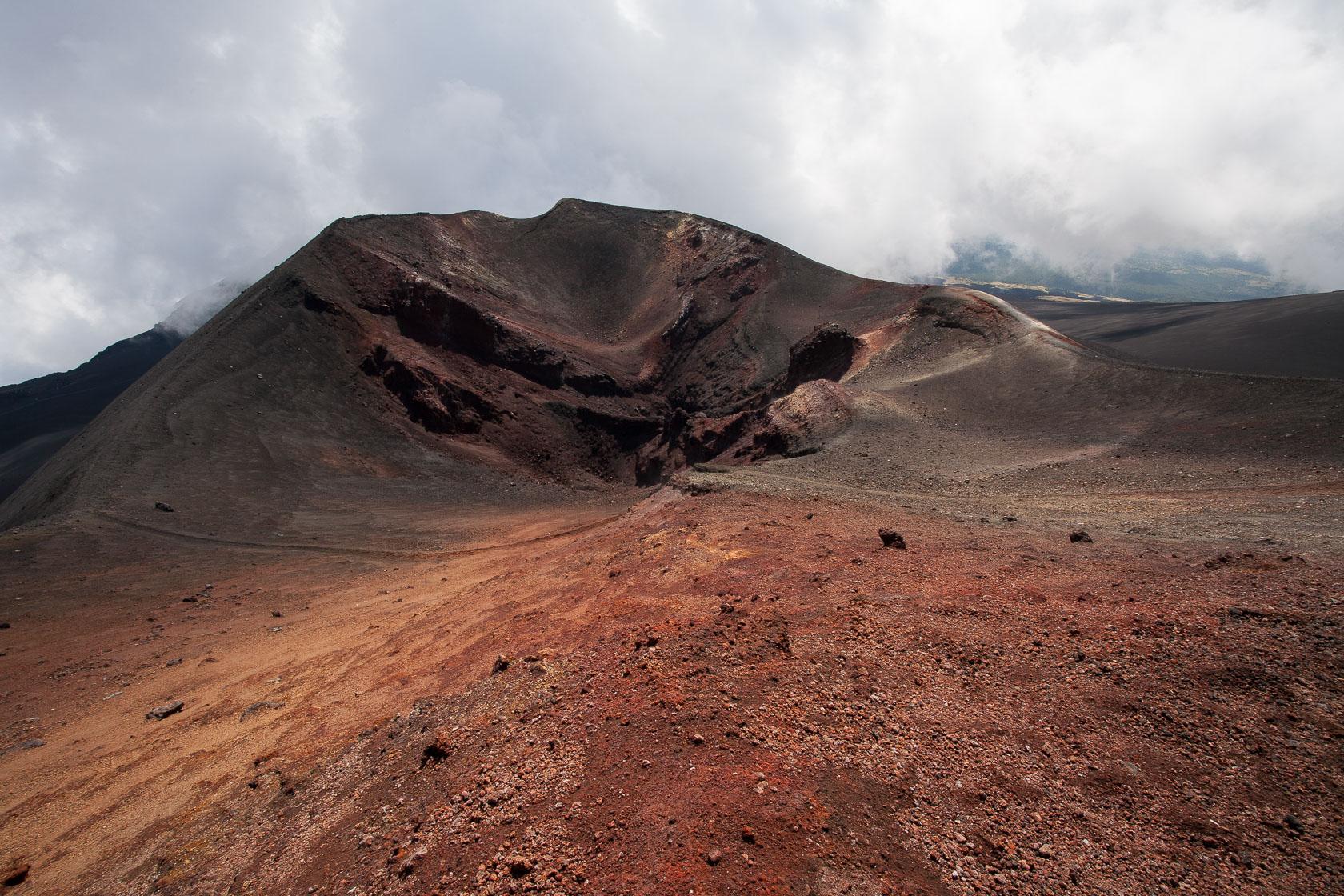 Ancien cratère du volcan Etna en Sicile