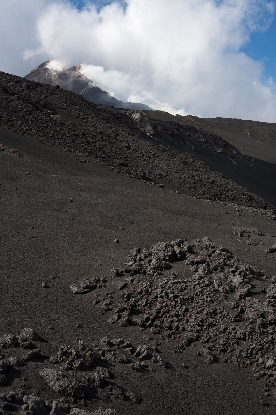 L'un des sommets du volcan Etna en sicile