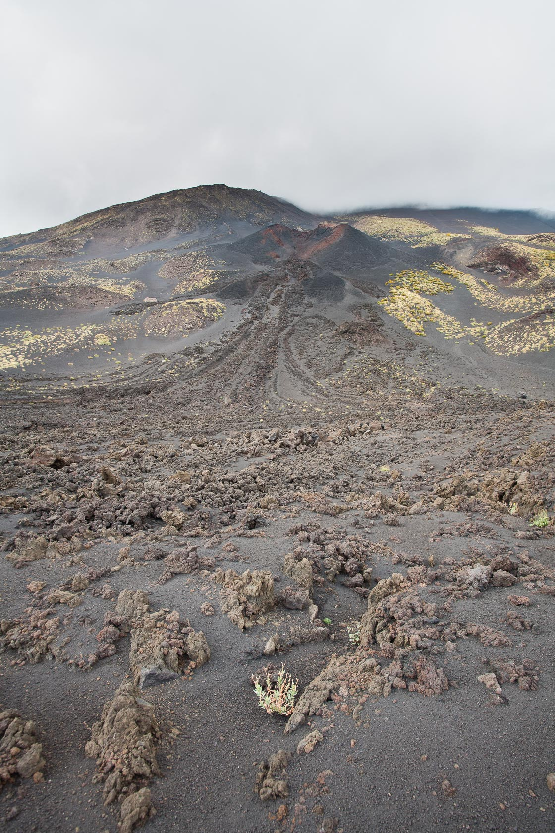 cône adventif sur le volcan Etna en Sicile