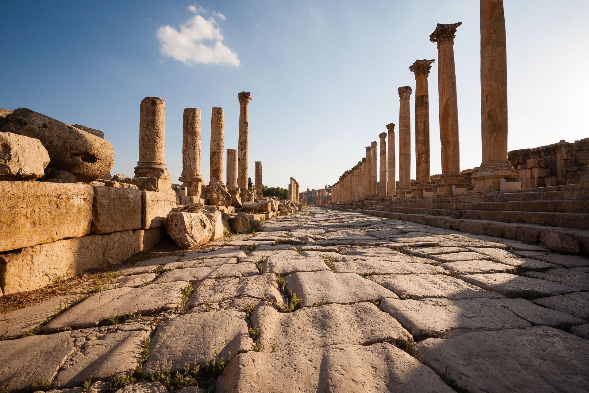 Cardo maximus de la ville greco-romaine de Jerash en Jordanie
