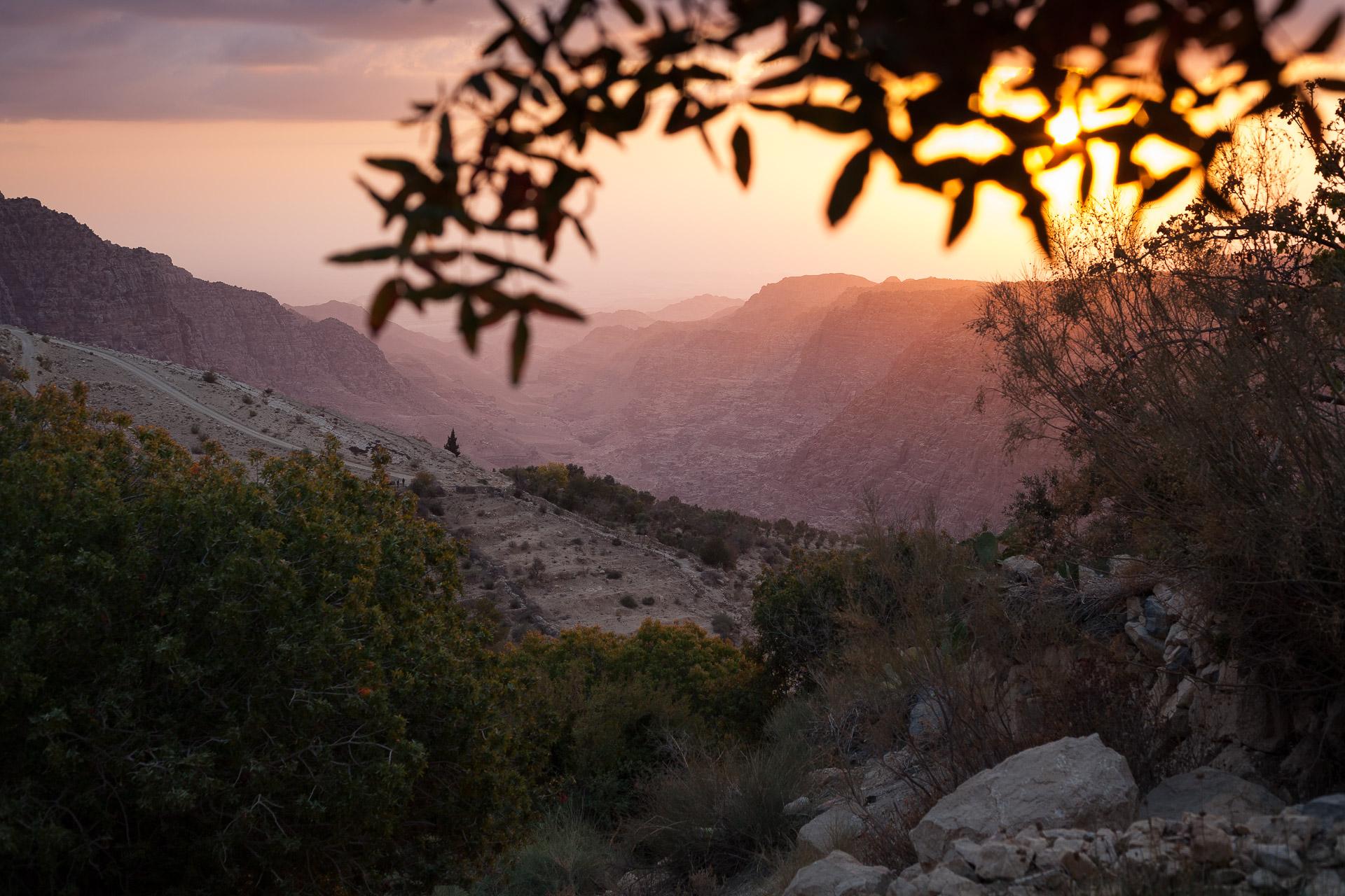 Couché de soleil sur le Wadi Dana en Jordanie