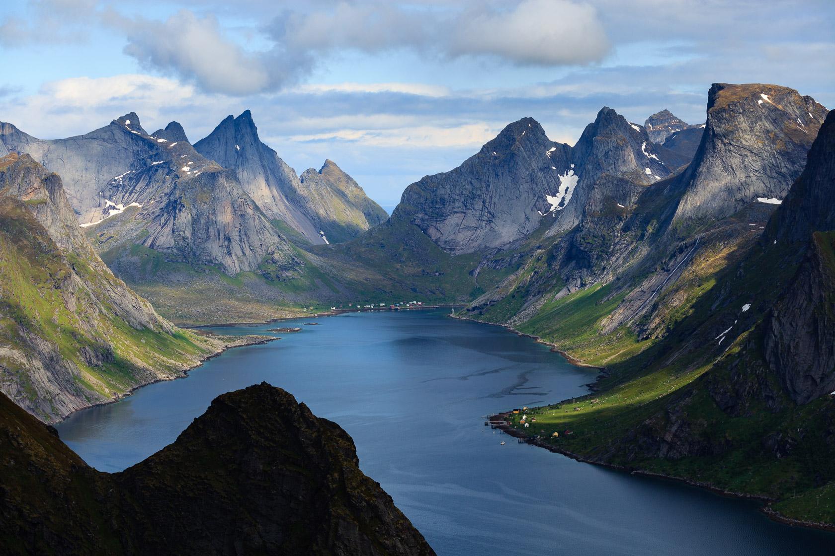 Kirkefjorden depuis le Reinebringen, dans les îles Lofoten en Norvège