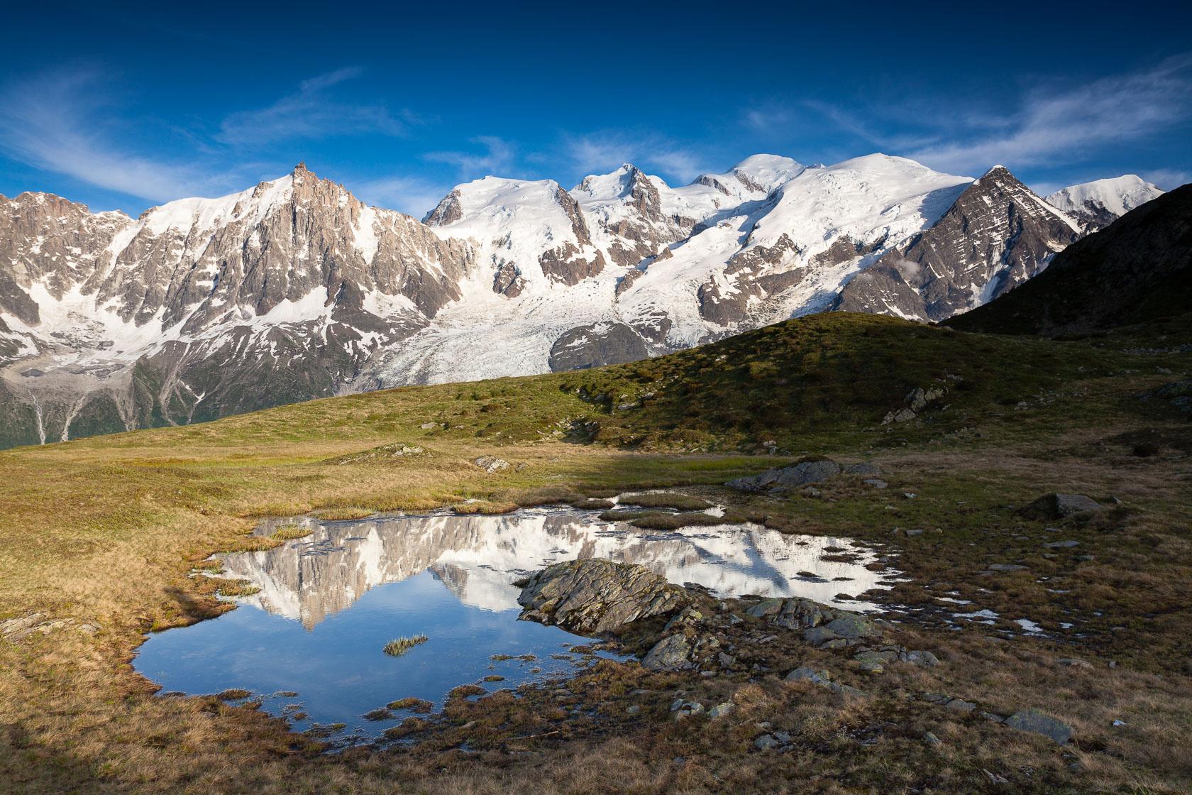 Massif du Mont Blanc depuis le plateau de Carlaveyron