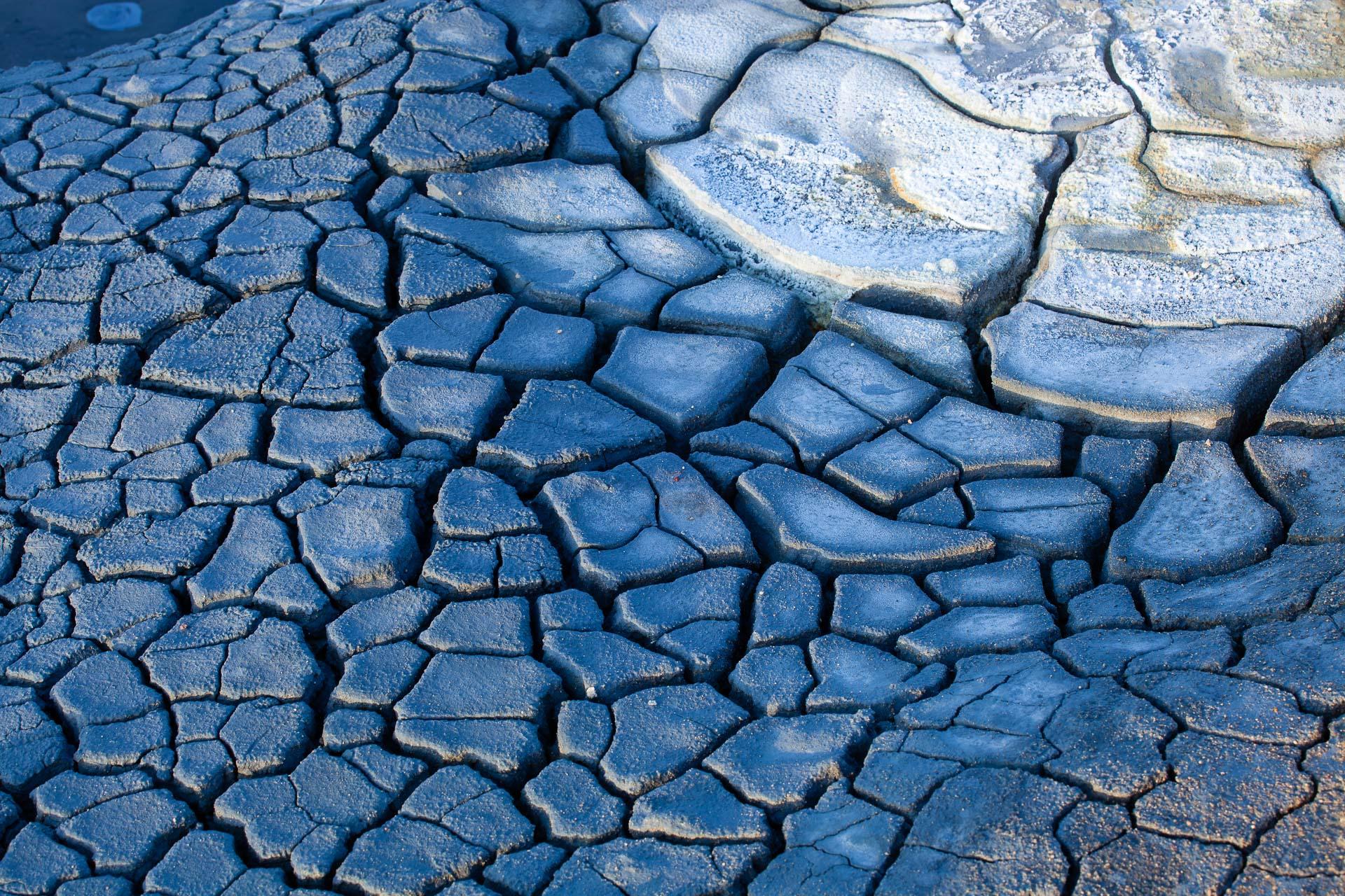 motifs dans la boue de Hverarönd en Islande