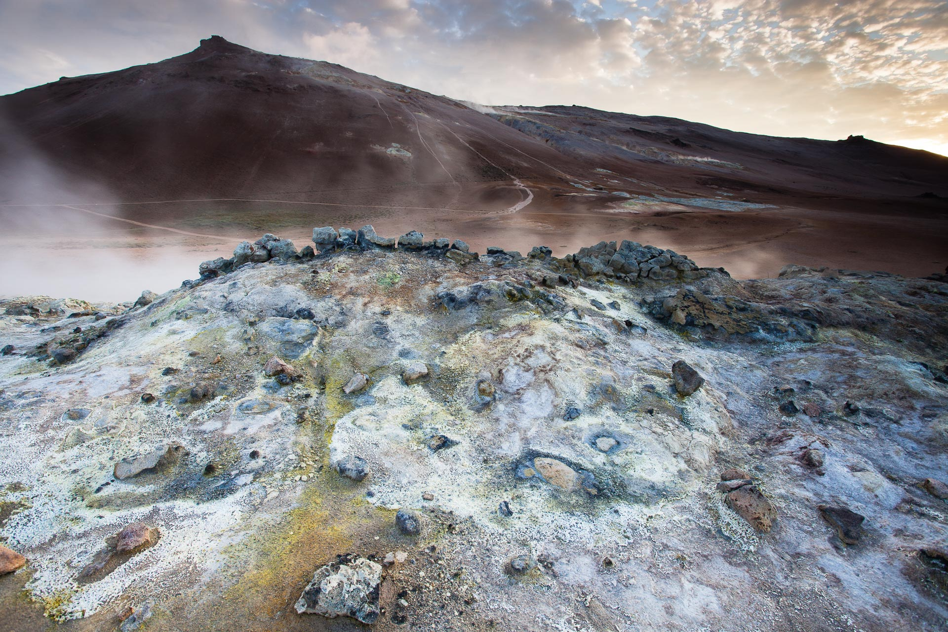 fumerolles sulfureuses à Hverarönd en Islande