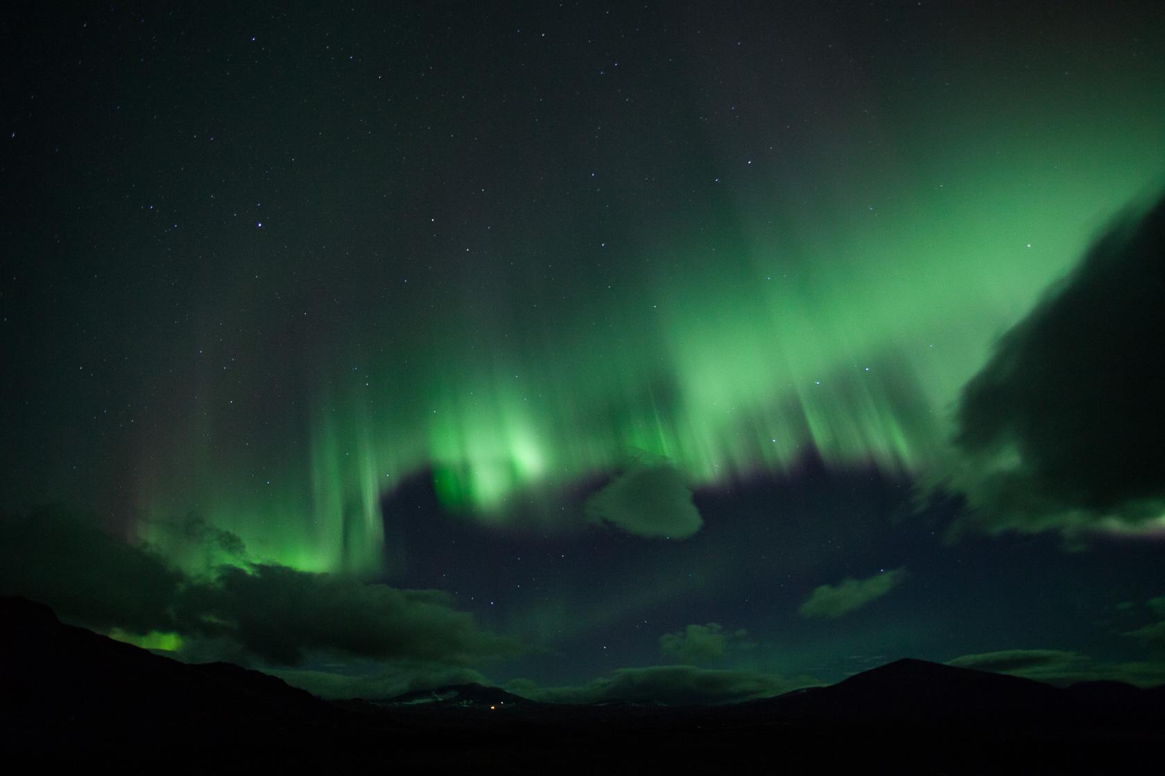 aurore boréale dans le parc de Dovrefjell en Norvège