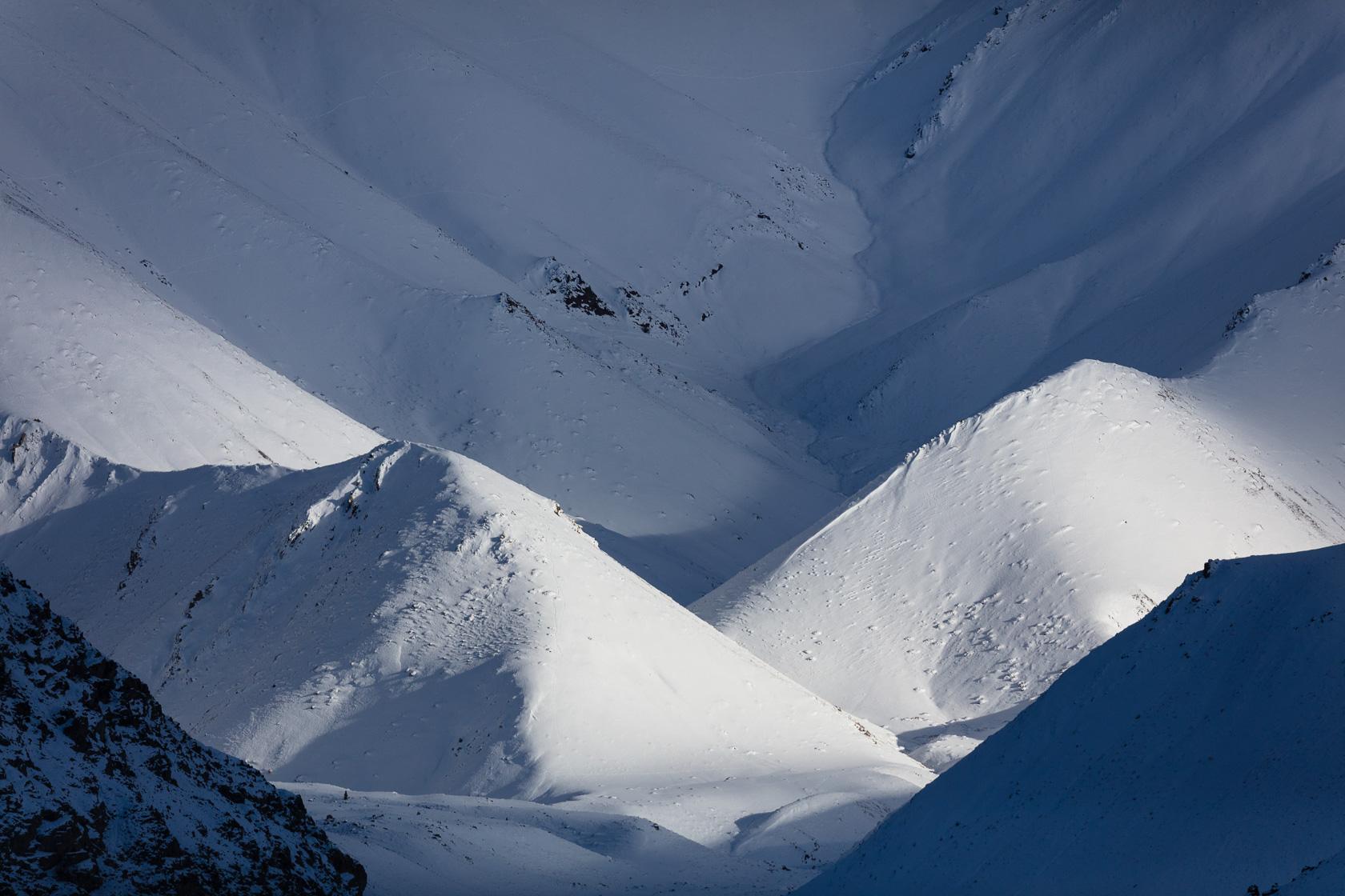 vallée de rumba, au Ladakh dans l'Himalaya indien, sous la neige