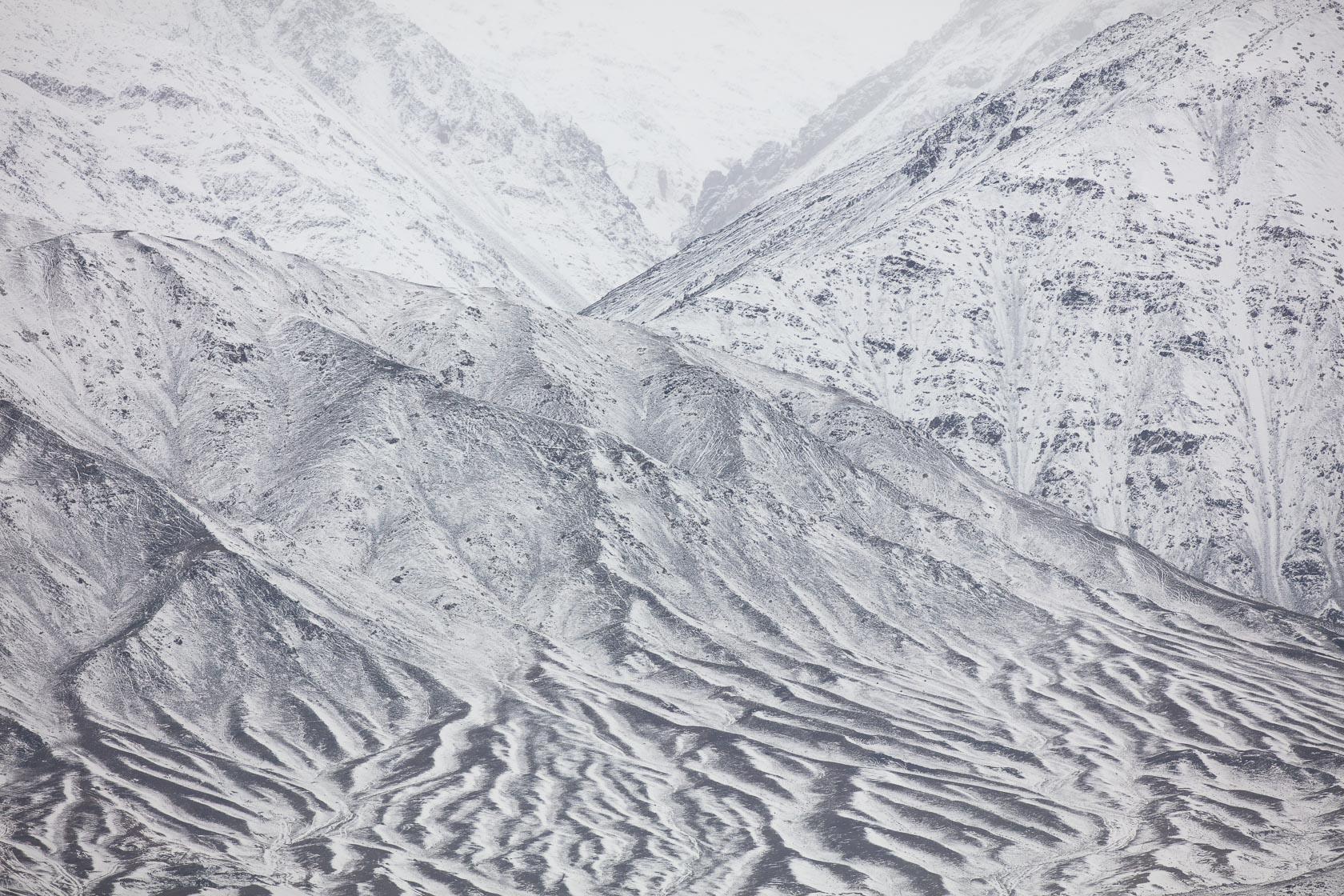 montagnes enneigées au Ladakh en Inde