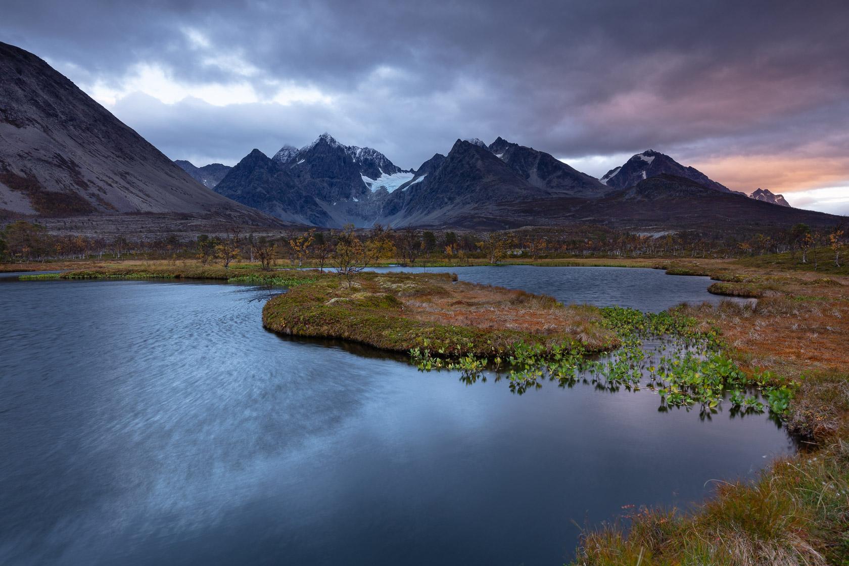 Jægervasstindan et Lenangstindane, dans les Alpes de Lyngen, en Norvège