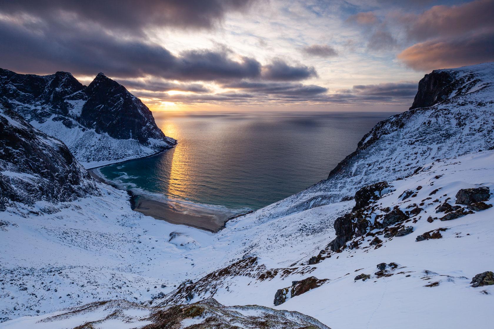 Plage de Kvalvika, dans les îles Lofoten, en Norvège, pendant un voyage photo dans les Lofoten