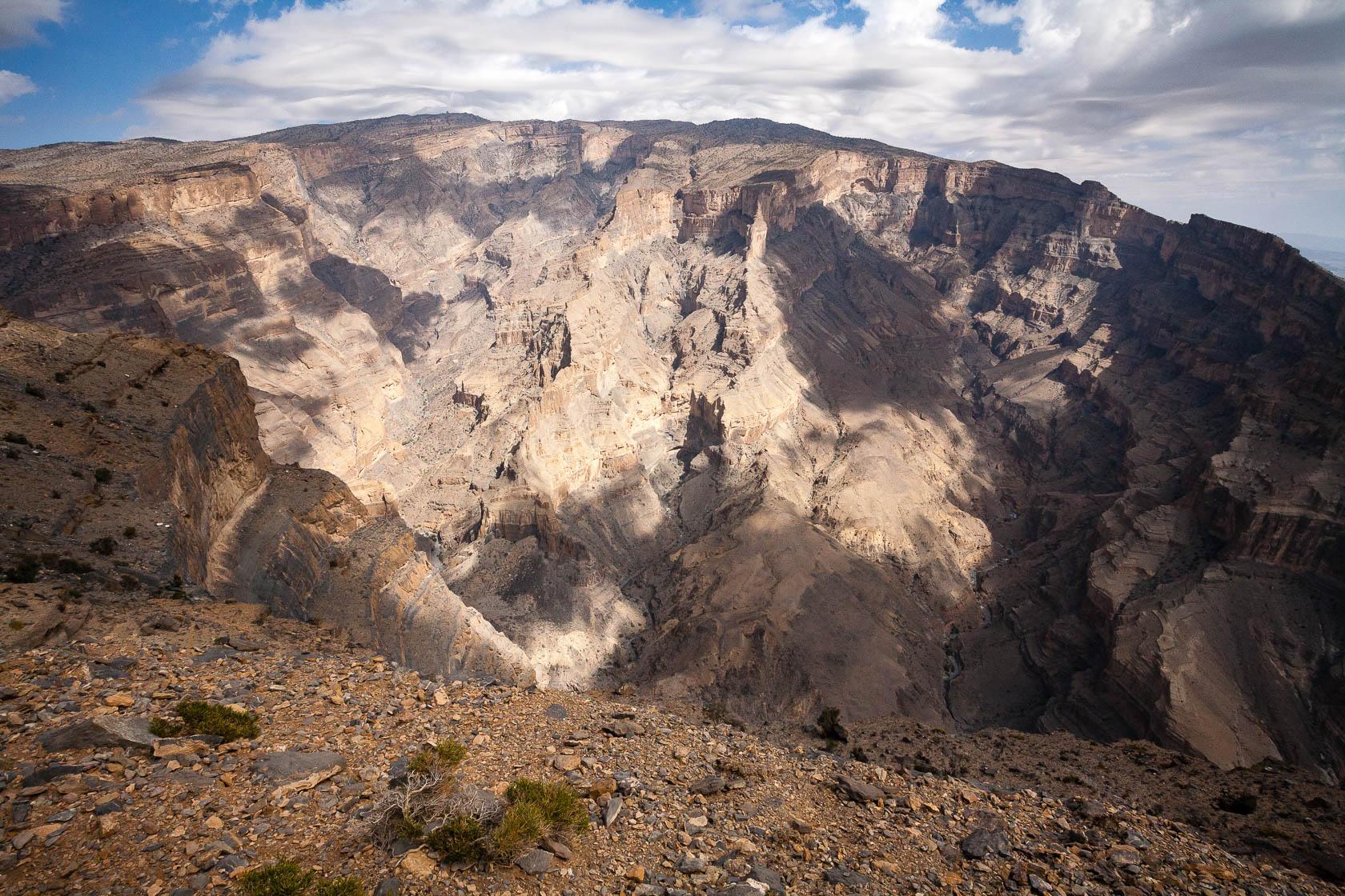 Canyon de Wadi Ghul, dans l'Hajjar occidental à Oman