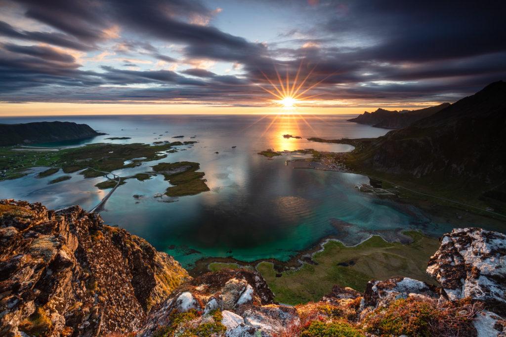 voyage photo en norvège, dans les îles lofoten, avec le soleil de minuit